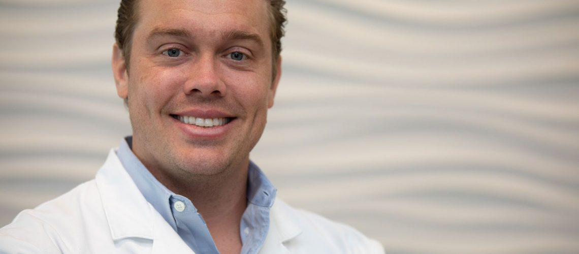 Dr. Gordon Leawood KS
